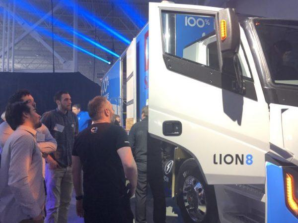 Une partie de l'équipe de Creaform Ingénierie présente au lancement du Lion8
